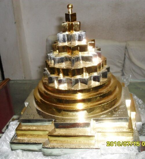 1365503775-sumeru-sri-yantra-very-special
